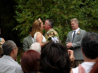 WeddingKiss.JPG