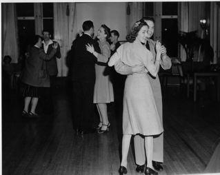 Dancingwpatients.jpg